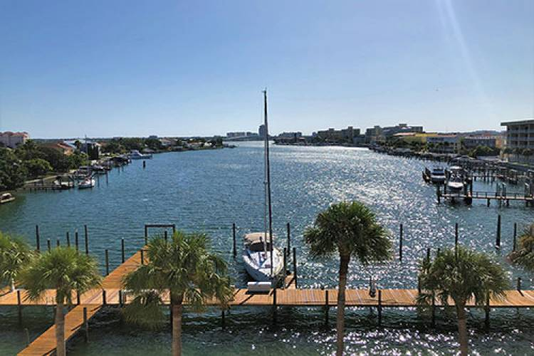 Boat Slips along the Intercoastal Waterways | Long Key Vacation Rentals